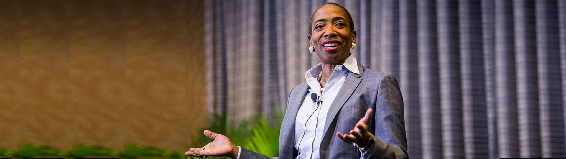 """Carla Harris Empowers Women With """"Pearls"""" During Women in Cloud"""